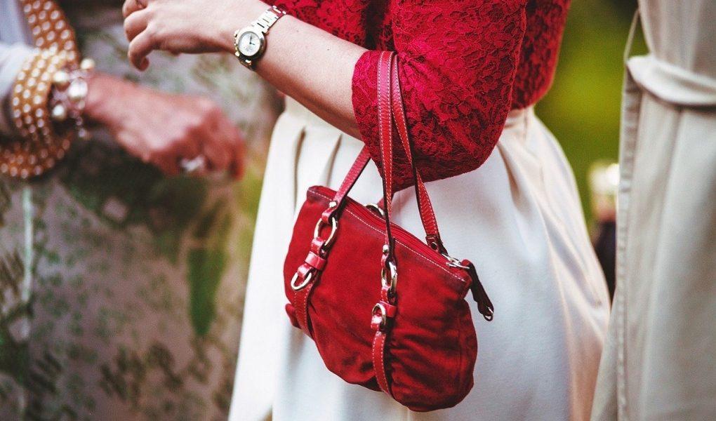 Petit sac à main rouge